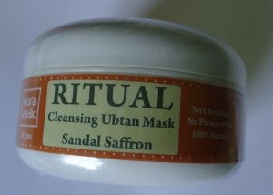 DSC01721 300x214 Auravedic Ritual Cleansing Ubtan Mask Review