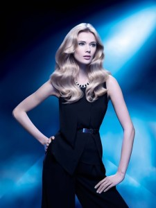 SARAH BOUCLE 225x300 L'OREAL PROFESSIONNEL's Steam pod gives you most stylish look this Festive Season