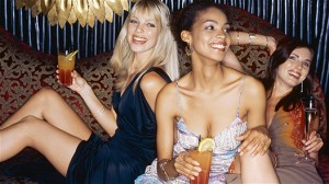 5 Things to Prepare For A Night Out With Friends