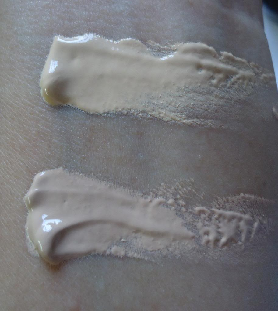 Revlon ColorStay Whipped Crème Makeup  Natural Ochre and Warm Golden Review, Swatches