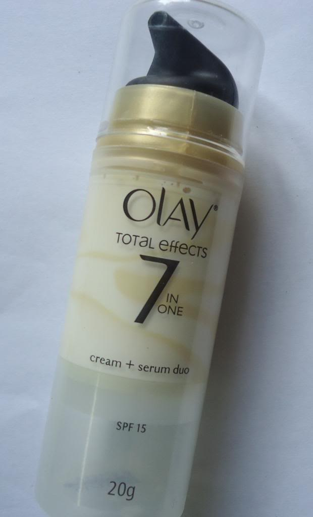 DSC05879 zps3789dbe8 Olay Total Effects Moisturiser + Serum Duo Review