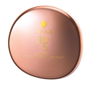Lakme 9To5 25 02 13 00137 300x284 Lakmé 9 to 5: The Office Stylist Range