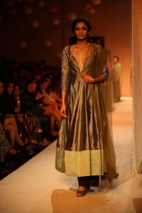 Manish Malhotra at LFW WF 203 1 200x300 Manish Malhotra at LFW Winter/Festive 2013