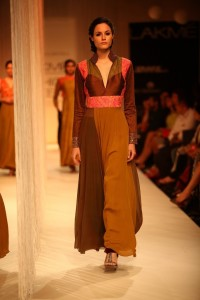Manish Malhotra at LFW WF 203 2 200x300 Manish Malhotra at LFW Winter/Festive 2013