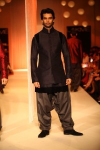 Manish Malhotra at LFW WF 203 5 200x300 Manish Malhotra at LFW Winter/Festive 2013