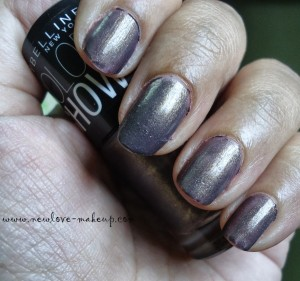 DSC078521 300x281 Maybelline Color Show Nail Paints Review, NOTD