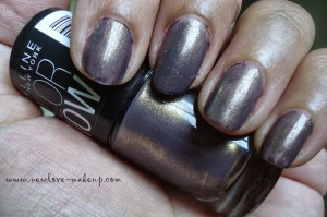 DSC078541 300x199 Maybelline Color Show Nail Paints Review, NOTD